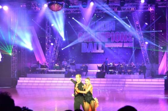 Чемпионы в показательном танце
