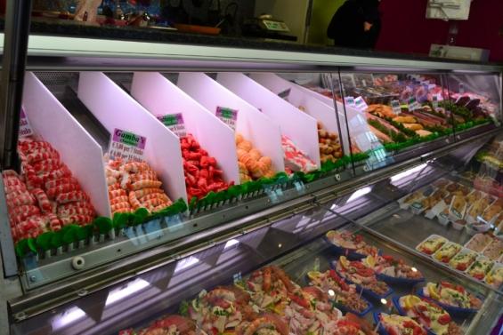 морепродукты в продаже